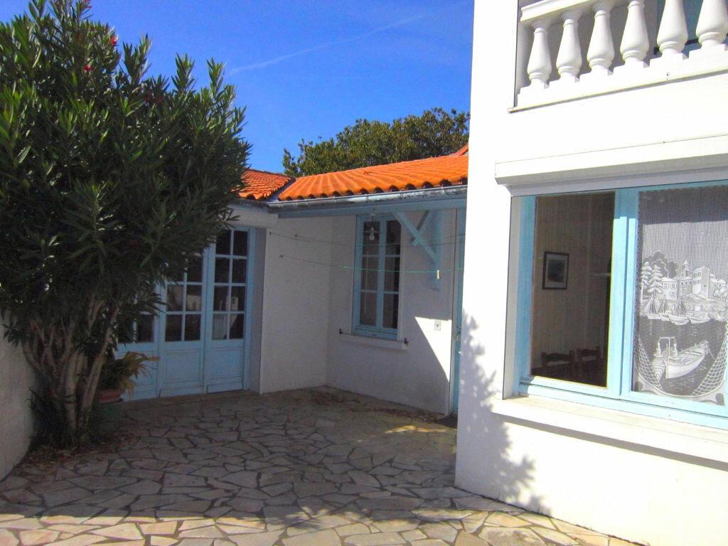 Achat Maison 6 pièces à Saint-Palais-sur-Mer - vignette-2