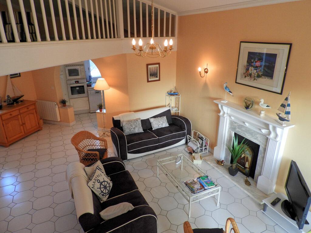 Achat Appartement 5 pièces à Saint-Palais-sur-Mer - vignette-2