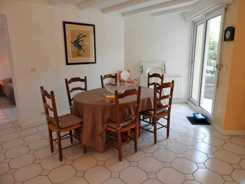 Achat Appartement 5 pièces à Saint-Palais-sur-Mer - vignette-4