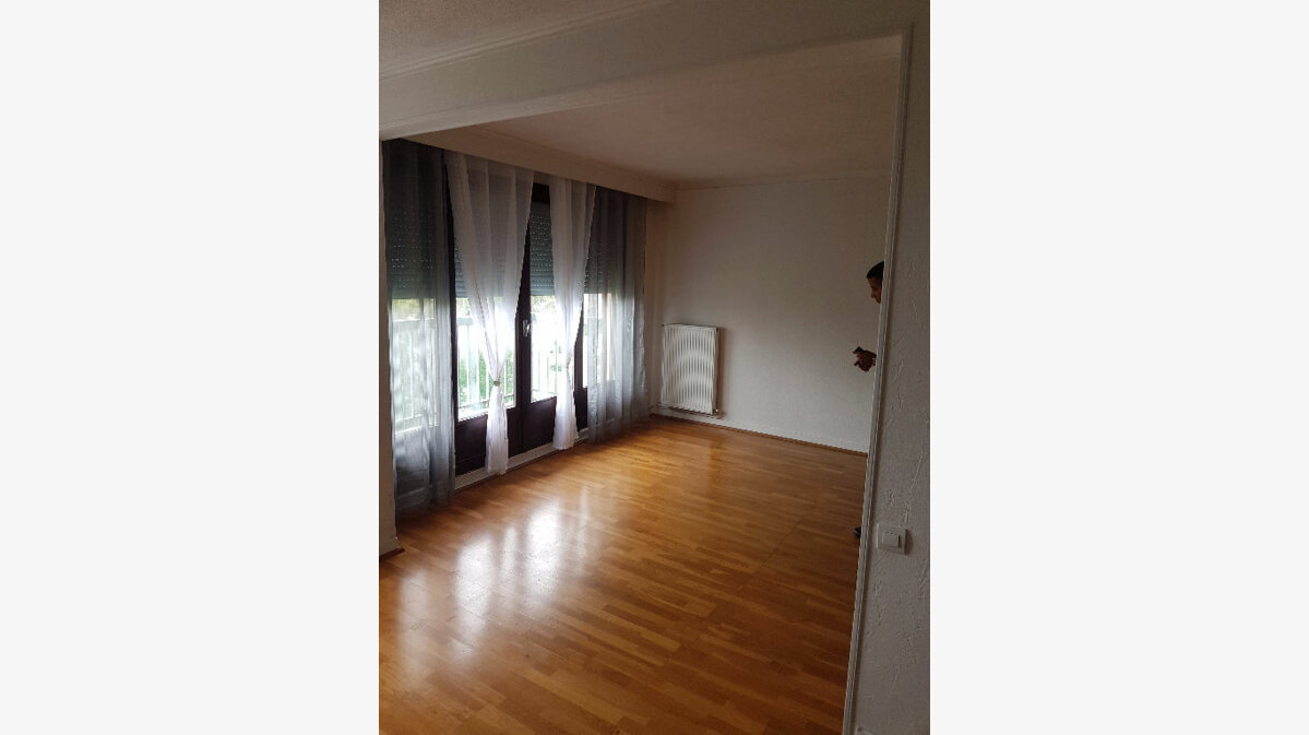 Achat Appartement 4 pièces à Bourg-en-Bresse - vignette-2