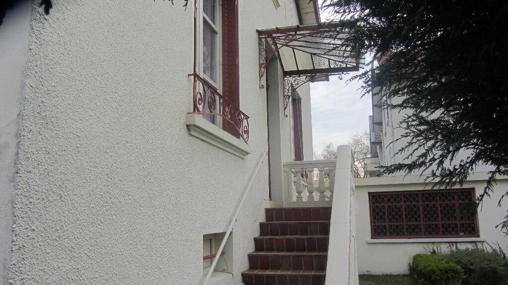 Achat Maison 7 pièces à Bourg-en-Bresse - vignette-1