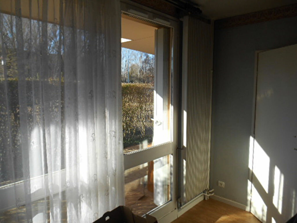 Achat Appartement 2 pièces à Bourg-en-Bresse - vignette-2