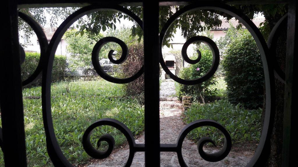 Achat Maison 10 pièces à Bourg-en-Bresse - vignette-1