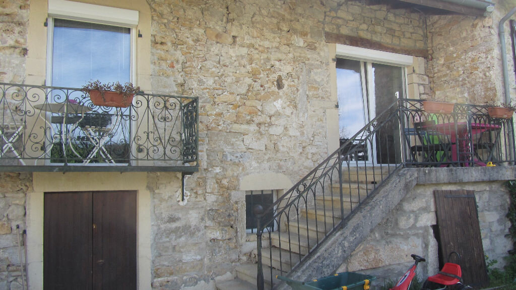 Achat Maison 5 pièces à Neuville-sur-Ain - vignette-1