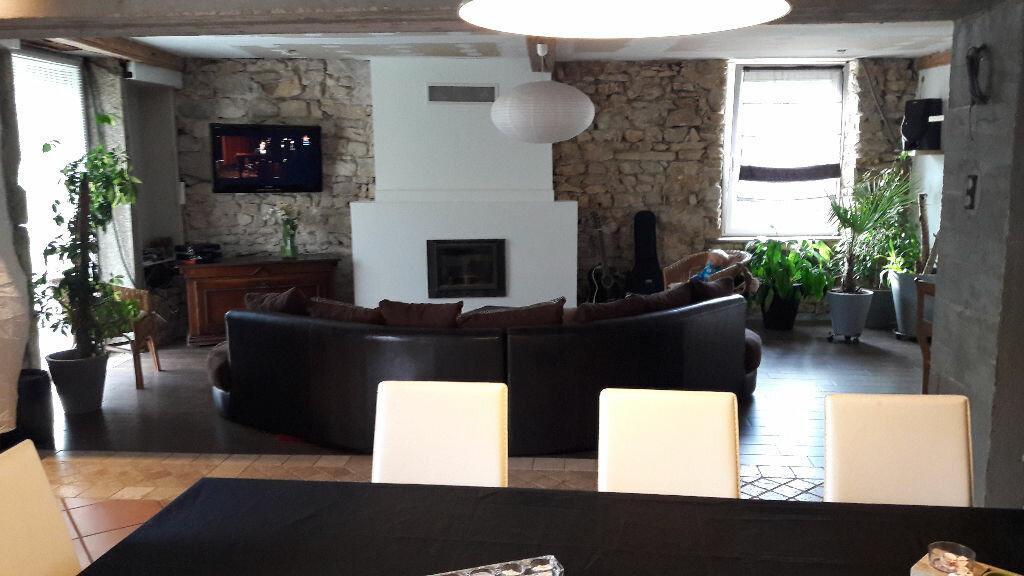 Achat Maison 5 pièces à Neuville-sur-Ain - vignette-2