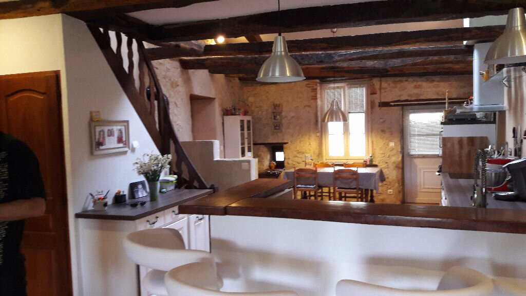 Achat Maison 5 pièces à Neuville-sur-Ain - vignette-3