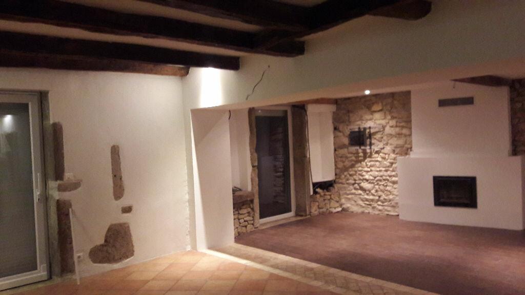 Achat Maison 5 pièces à Neuville-sur-Ain - vignette-6