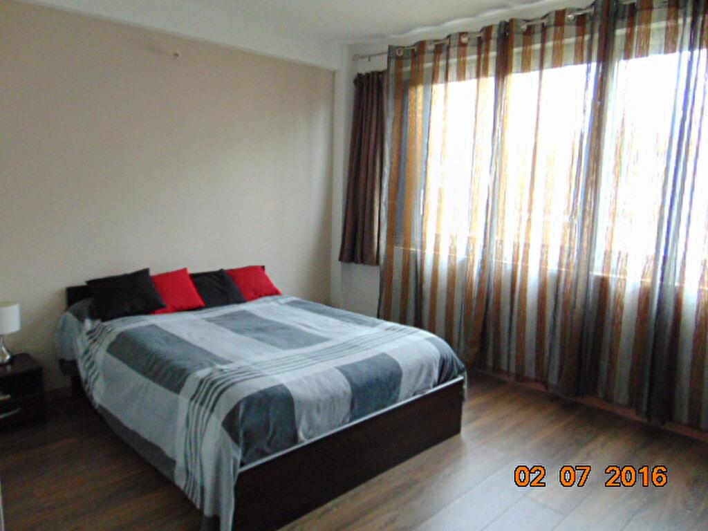Achat Appartement 4 pièces à Brénod - vignette-5