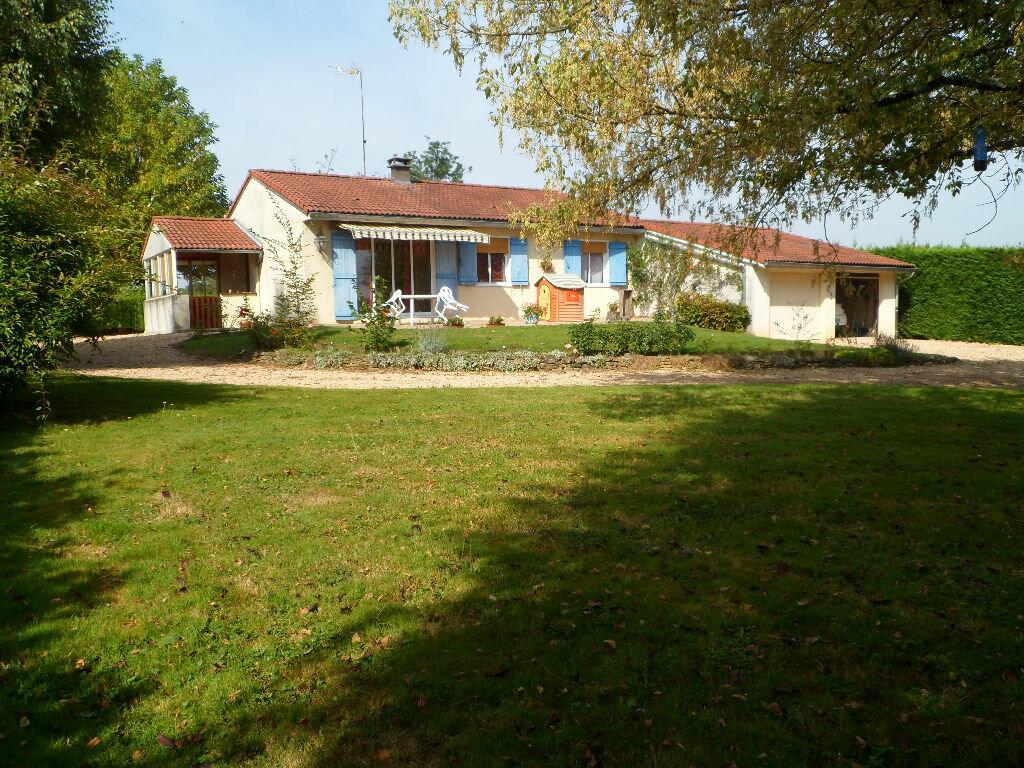 Achat Maison 6 pièces à Saint-Julien-sur-Veyle - vignette-1