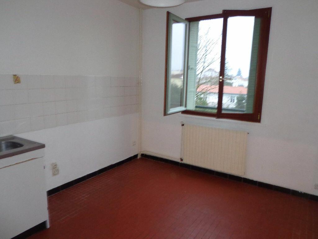 Achat Appartement 2 pièces à Bourg-en-Bresse - vignette-3