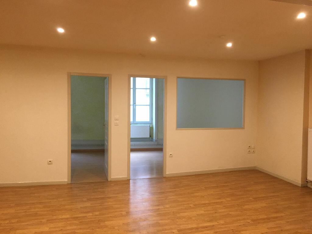 Achat Appartement 3 pièces à Dole - vignette-2