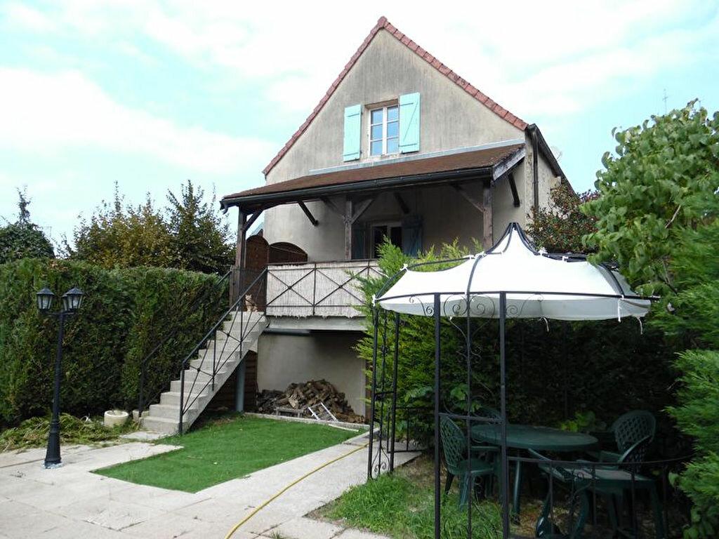 Achat Maison 7 pièces à Montmirey-la-Ville - vignette-1