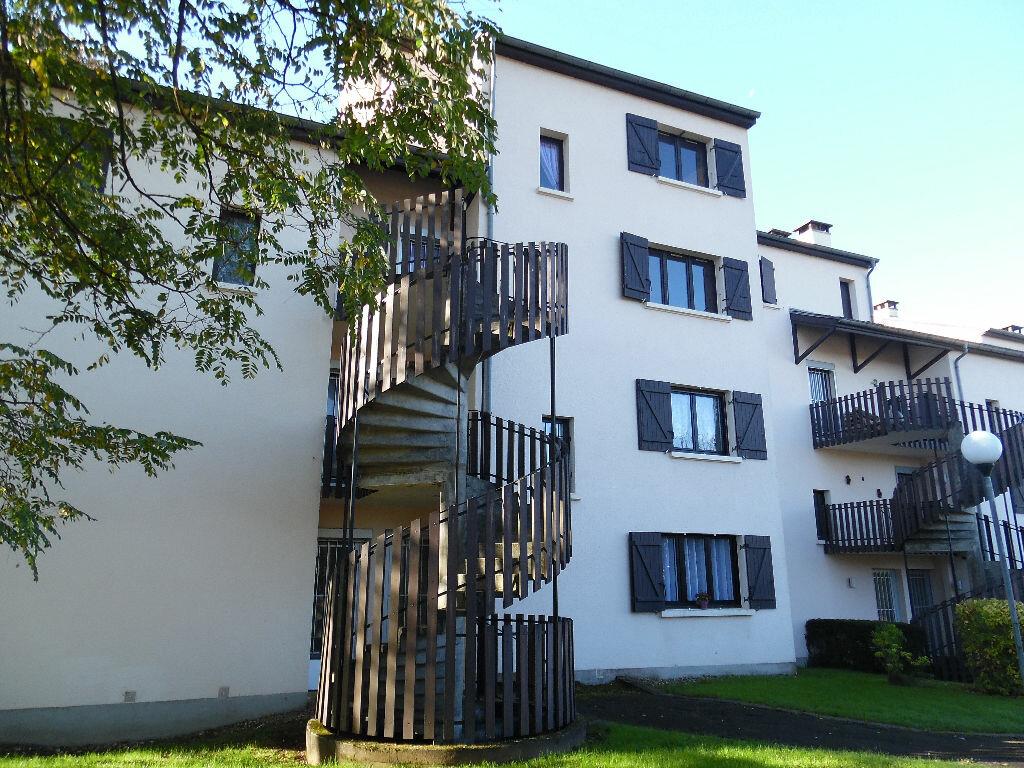 Achat Appartement 4 pièces à Dole - vignette-1