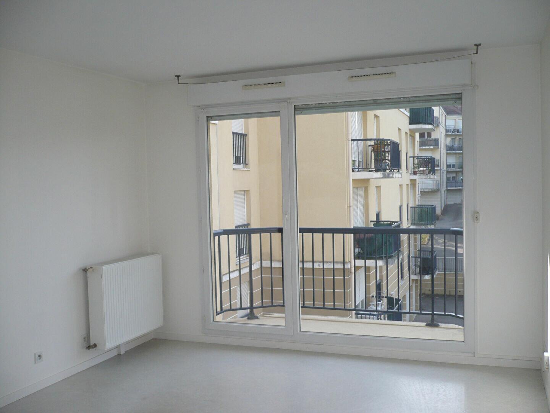 Location Appartement 2 pièces à Saint-Apollinaire - vignette-2