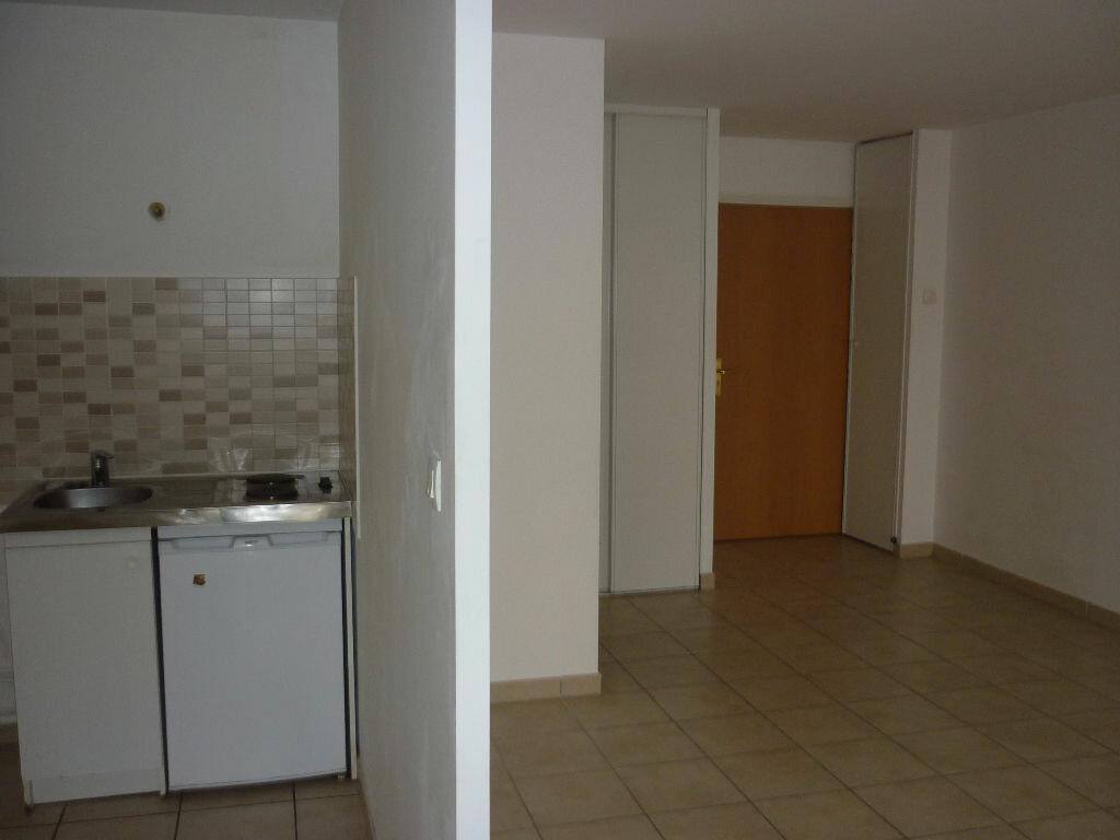 Location Appartement 1 pièce à Dijon - vignette-4