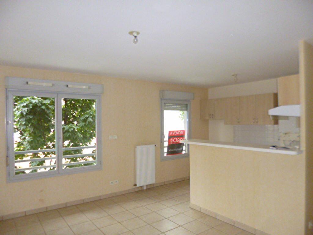 Location Appartement 3 pièces à Dijon - vignette-2