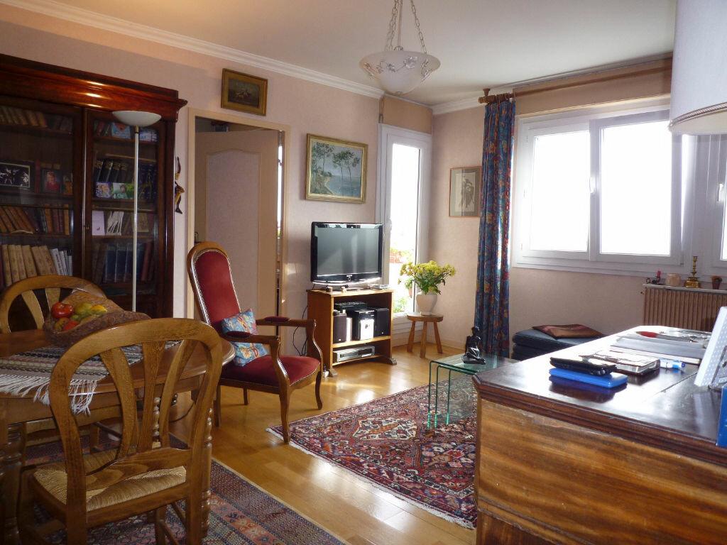 Achat Appartement 4 pièces à Dijon - vignette-1