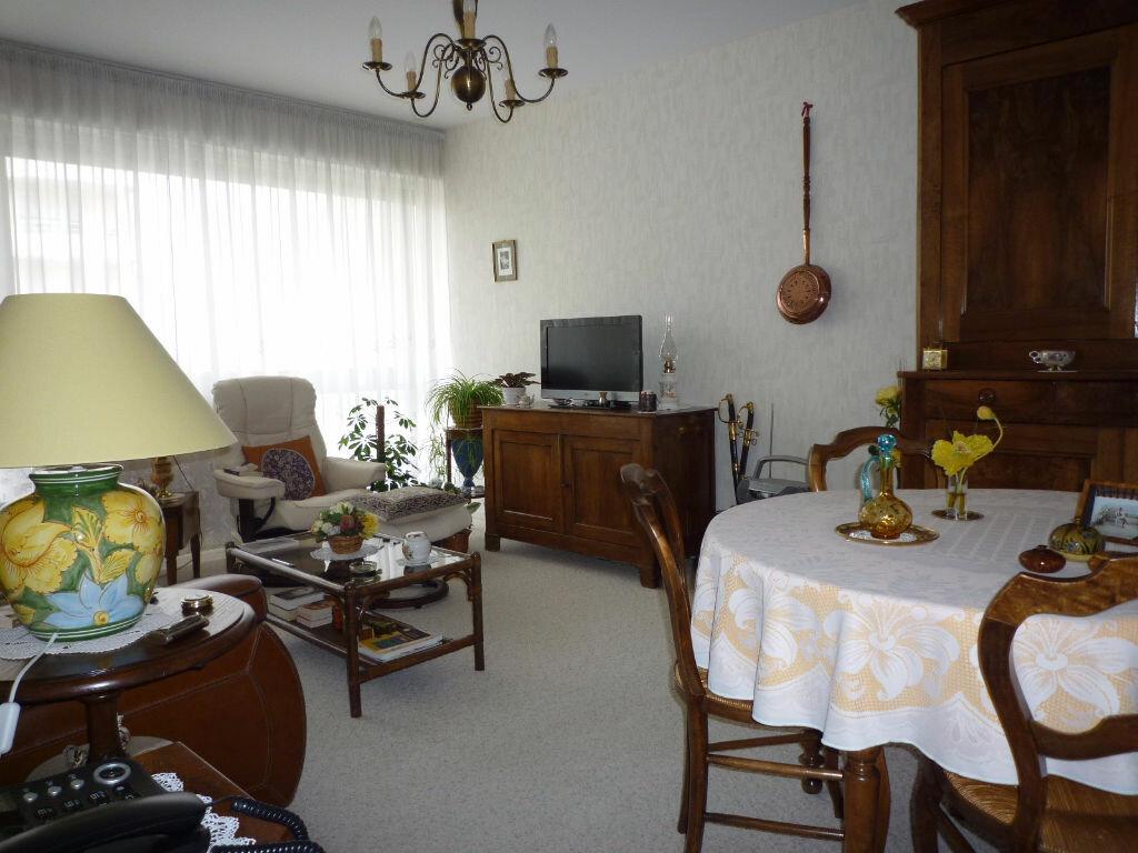 Achat Appartement 2 pièces à Dijon - vignette-2