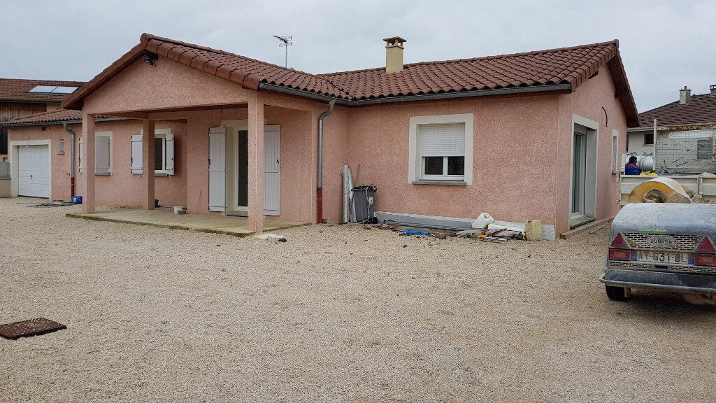 Achat Maison 8 pièces à Saint-Étienne-du-Bois - vignette-1
