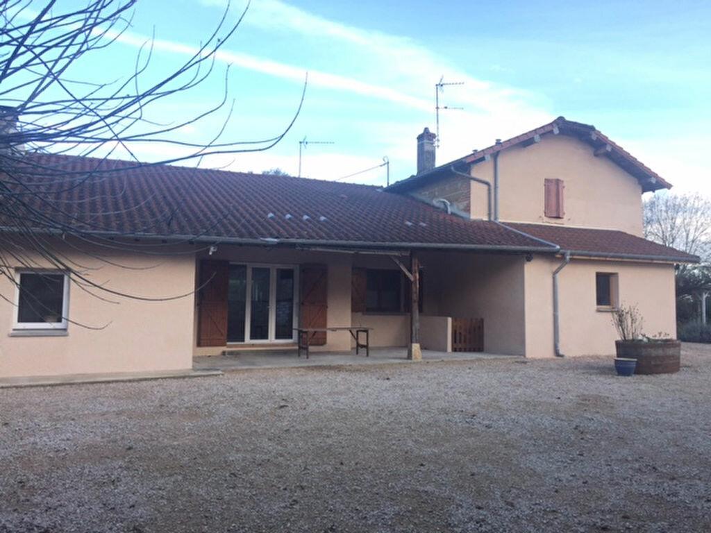 Achat Maison 10 pièces à Chavannes-sur-Reyssouze - vignette-1