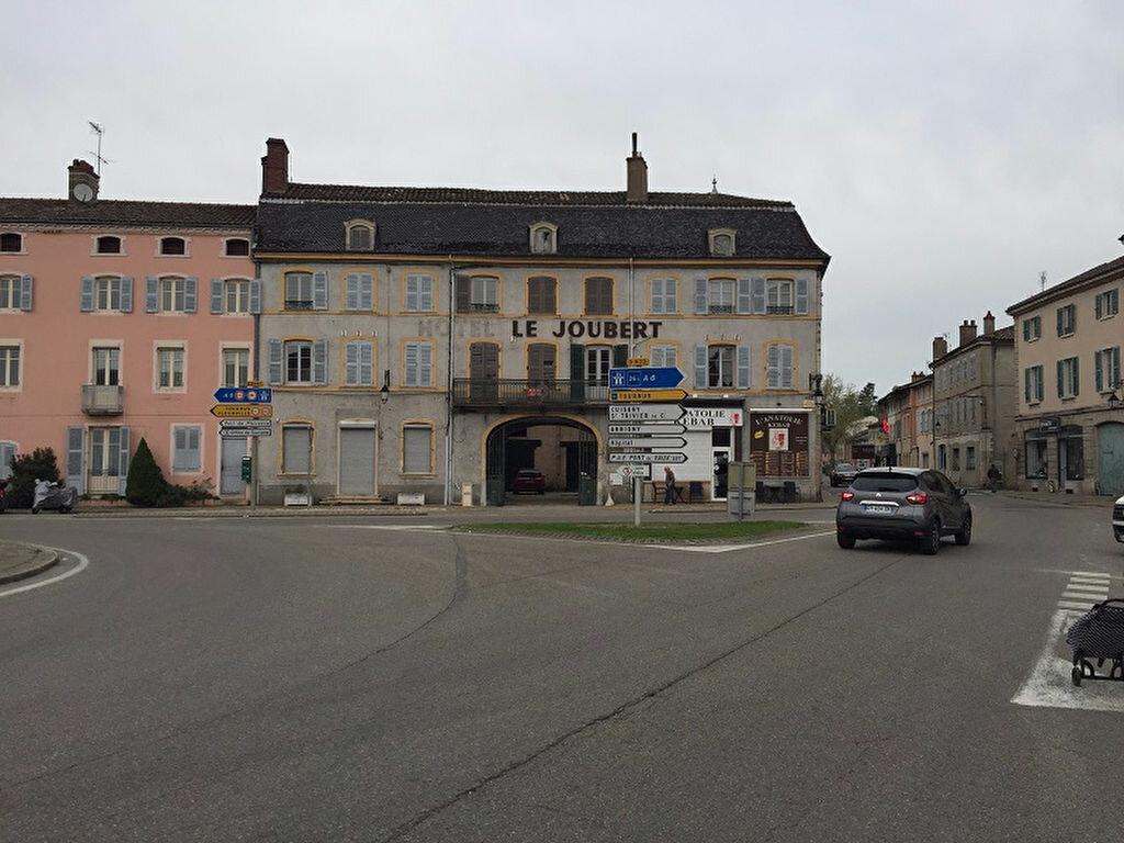 Achat Appartement 4 pièces à Pont-de-Vaux - vignette-2