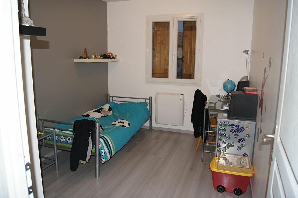 Achat Maison 6 pièces à Chavannes-sur-Reyssouze - vignette-4
