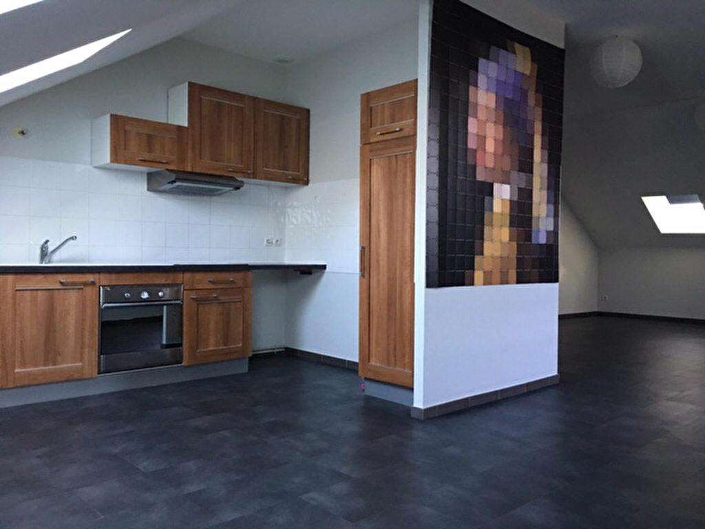 Achat Appartement 4 pièces à Saint-Étienne-du-Bois - vignette-1