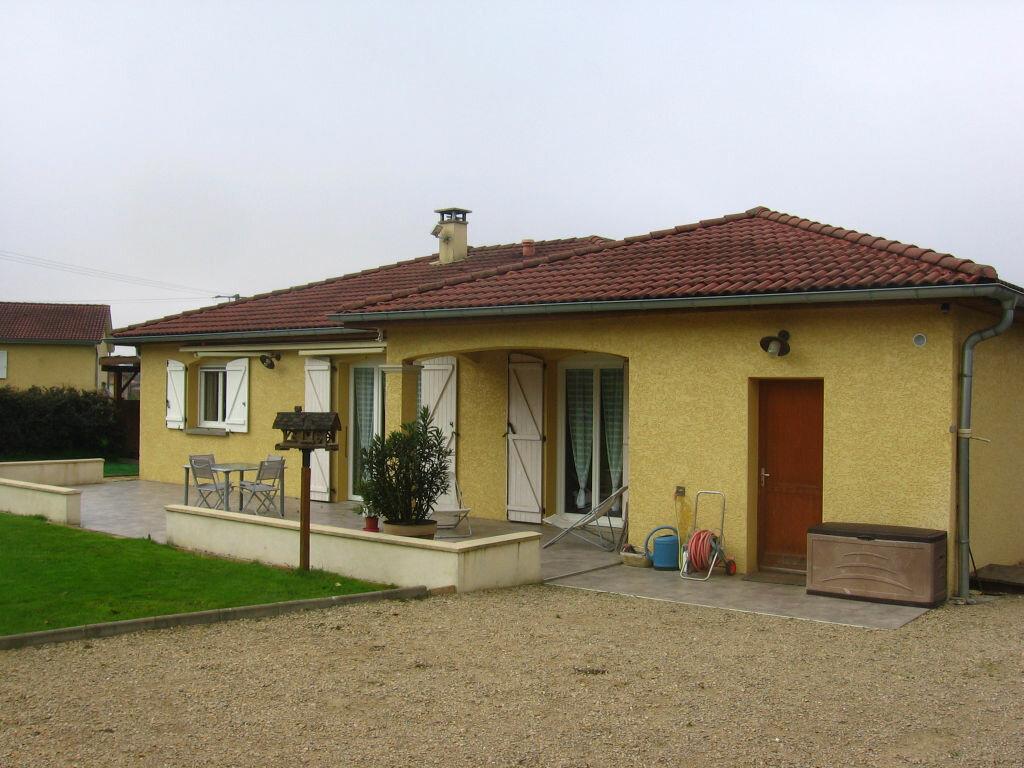 Achat Maison 4 pièces à Saint-Didier-d'Aussiat - vignette-1