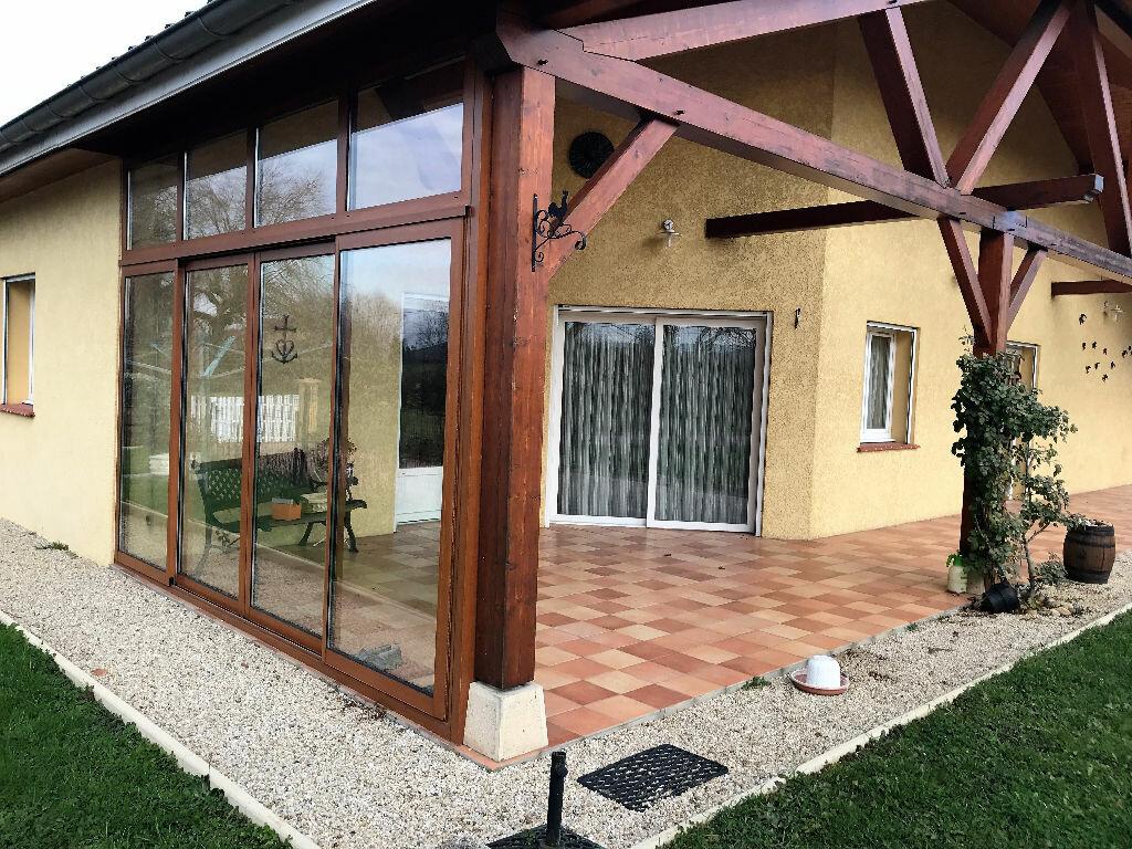 Achat Maison 6 pièces à Montrevel-en-Bresse - vignette-2