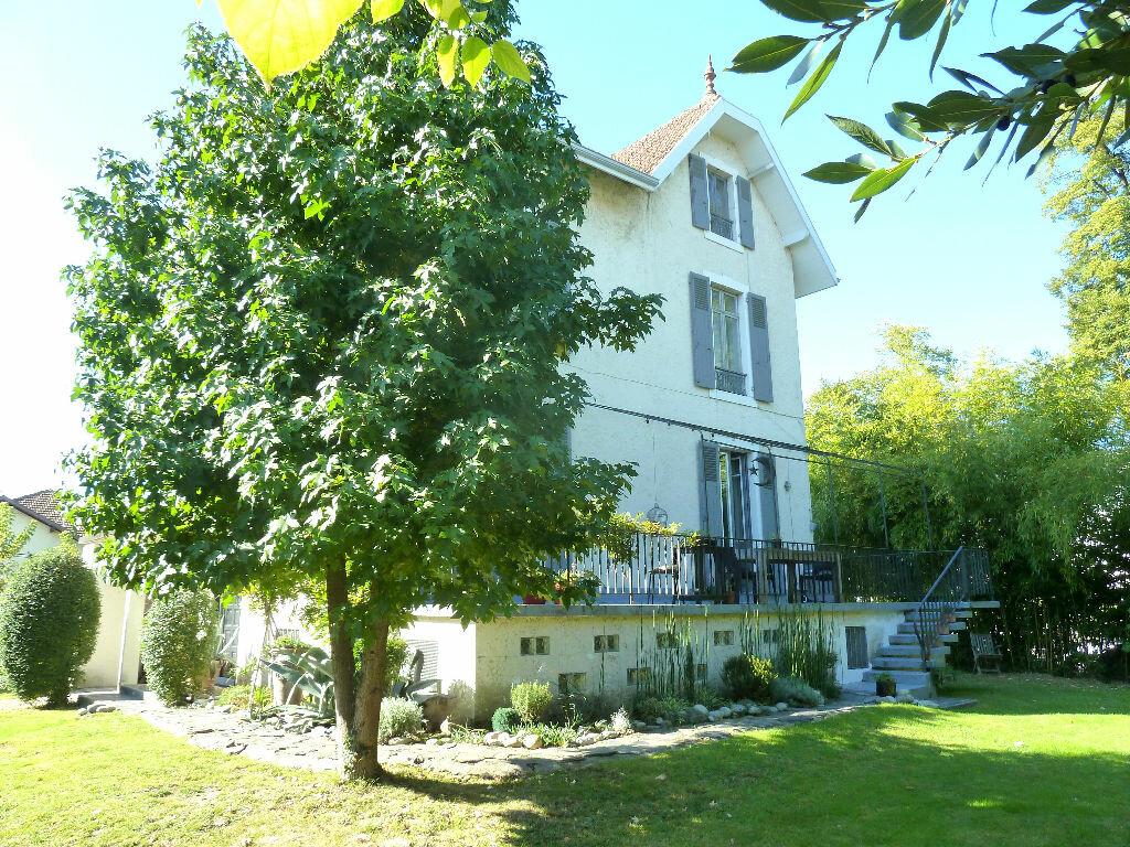 Achat Maison 8 pièces à Pau - vignette-1