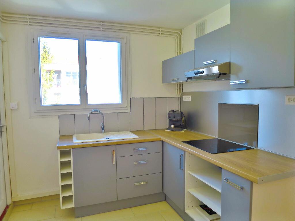 Achat Appartement 5 pièces à Billère - vignette-1