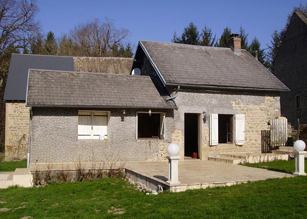 Achat Maison 2 pièces à Saint-Gervais-d'Auvergne - vignette-2