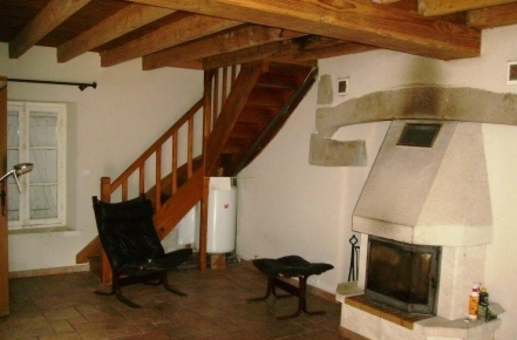 Achat Maison 2 pièces à Saint-Gervais-d'Auvergne - vignette-5