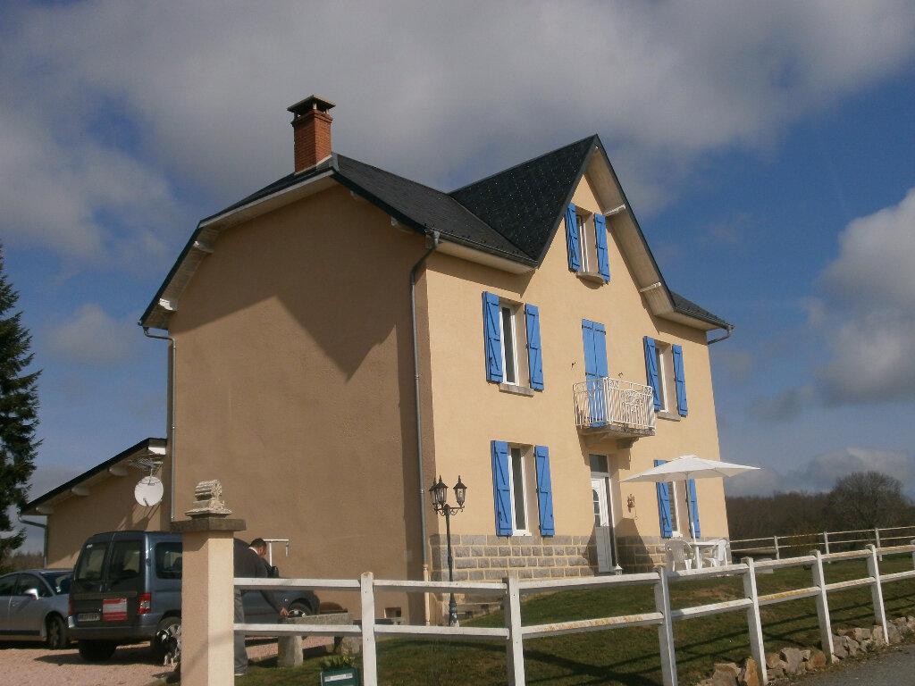 Achat Maison 8 pièces à Saint-Gervais-d'Auvergne - vignette-1