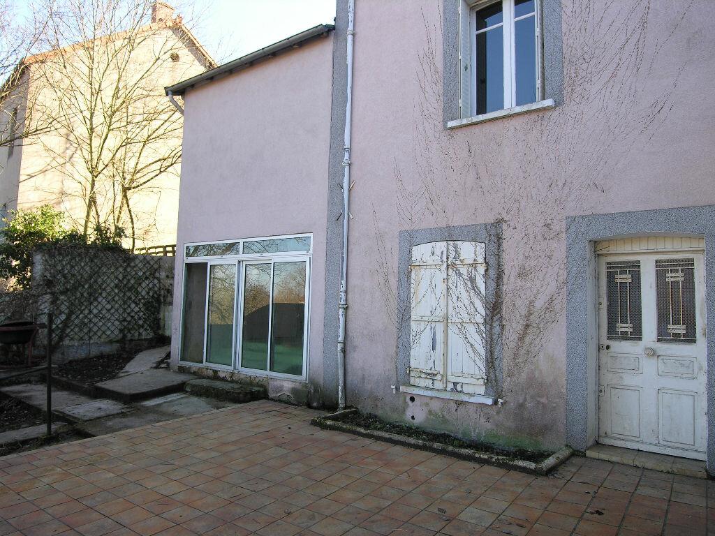 Achat Maison 5 pièces à Saint-Éloy-les-Mines - vignette-2