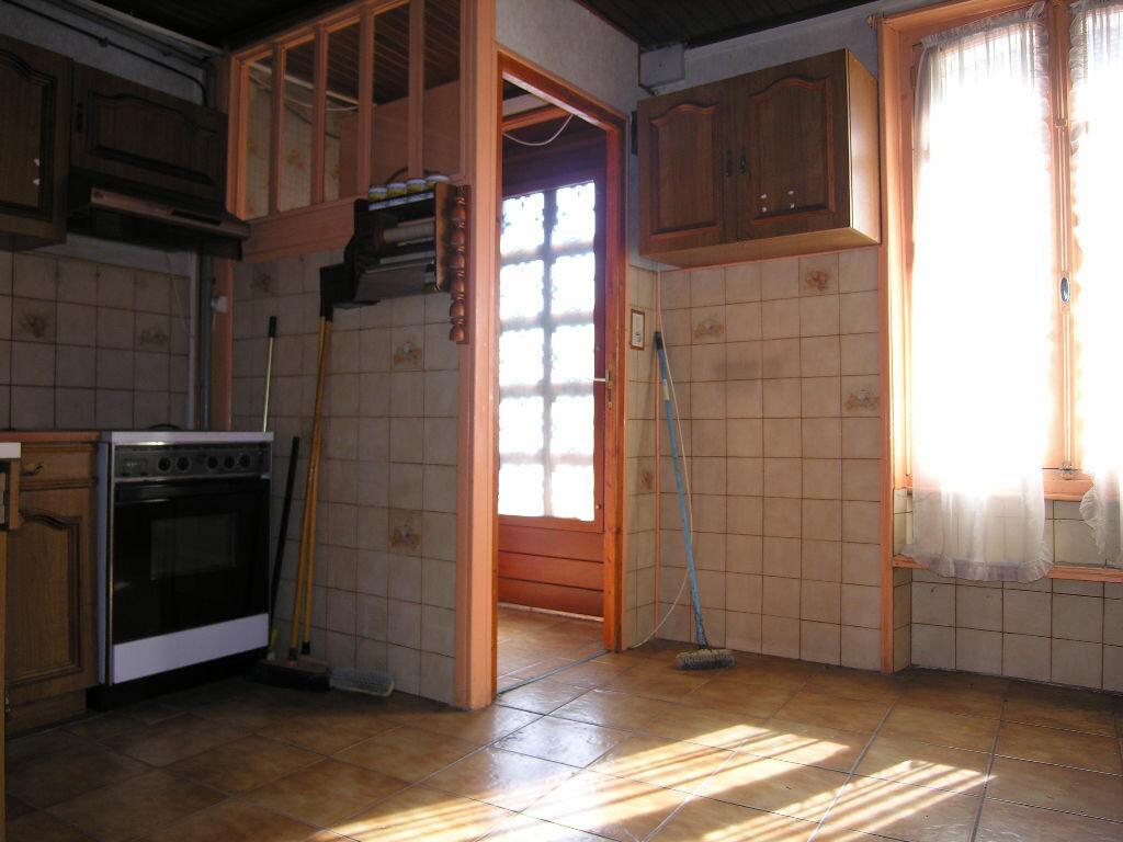 Achat Maison 5 pièces à Saint-Éloy-les-Mines - vignette-8