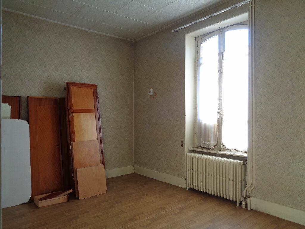 Achat Maison 11 pièces à Saint-Éloy-les-Mines - vignette-2