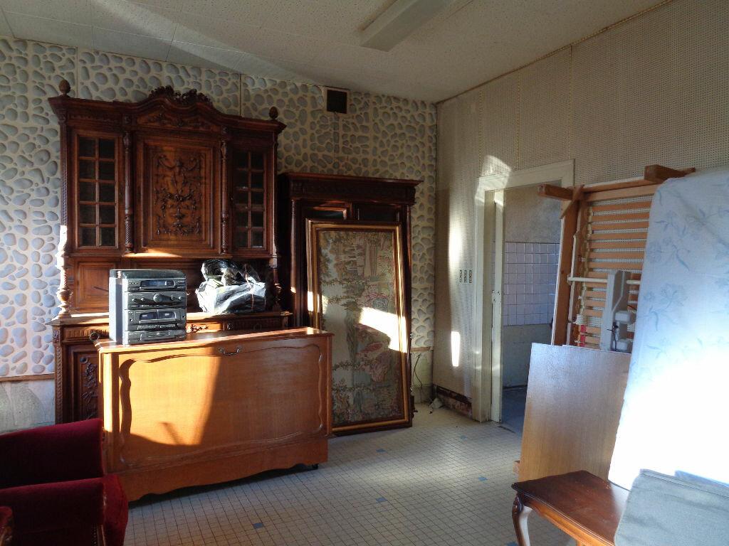 Achat Maison 11 pièces à Saint-Éloy-les-Mines - vignette-3