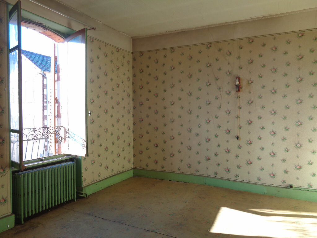 Achat Maison 11 pièces à Saint-Éloy-les-Mines - vignette-7
