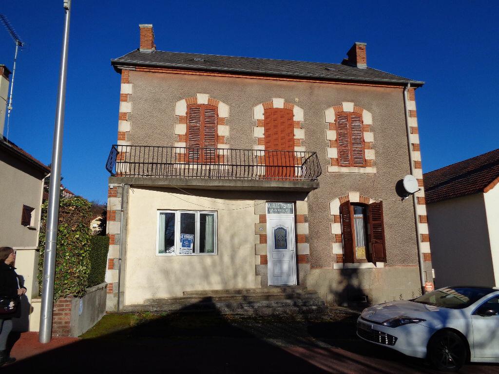 Achat Maison 11 pièces à Saint-Éloy-les-Mines - vignette-13