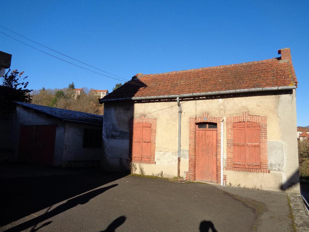 Achat Maison 11 pièces à Saint-Éloy-les-Mines - vignette-14