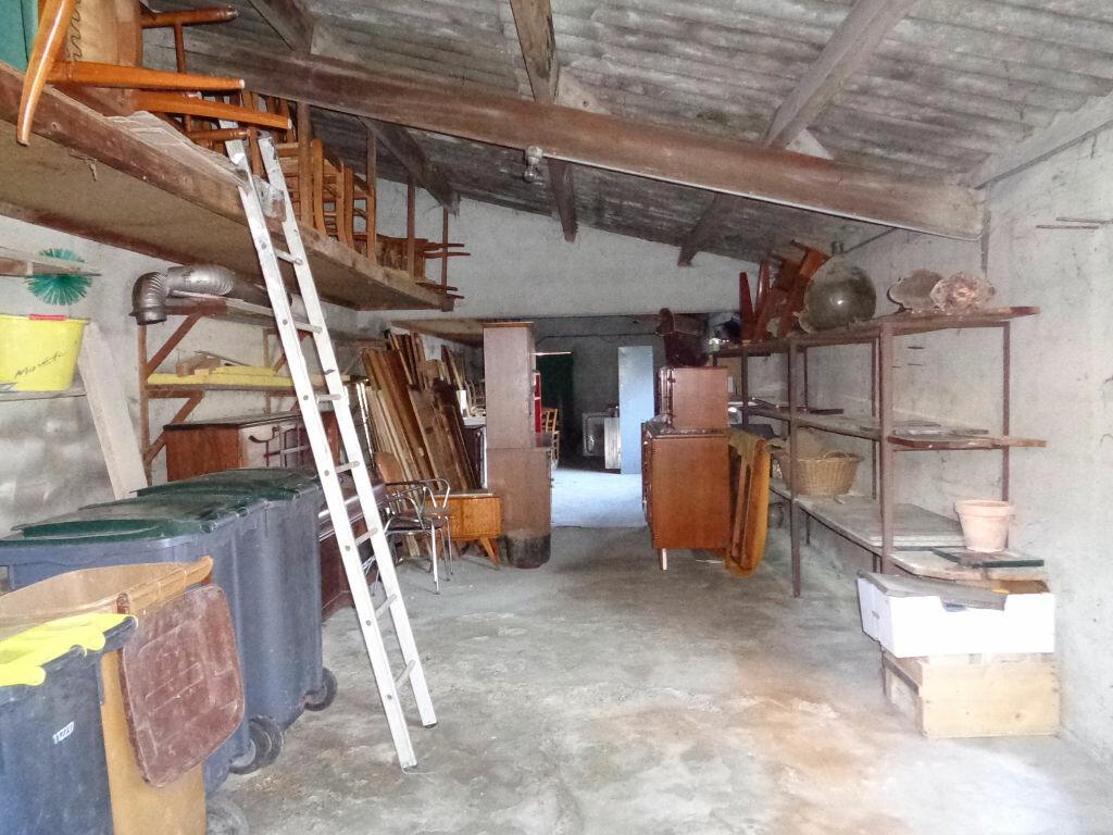 Achat Maison 11 pièces à Saint-Éloy-les-Mines - vignette-18