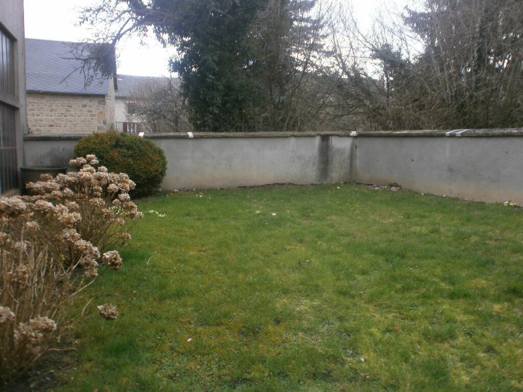 Achat Maison 11 pièces à Saint-Priest-des-Champs - vignette-2