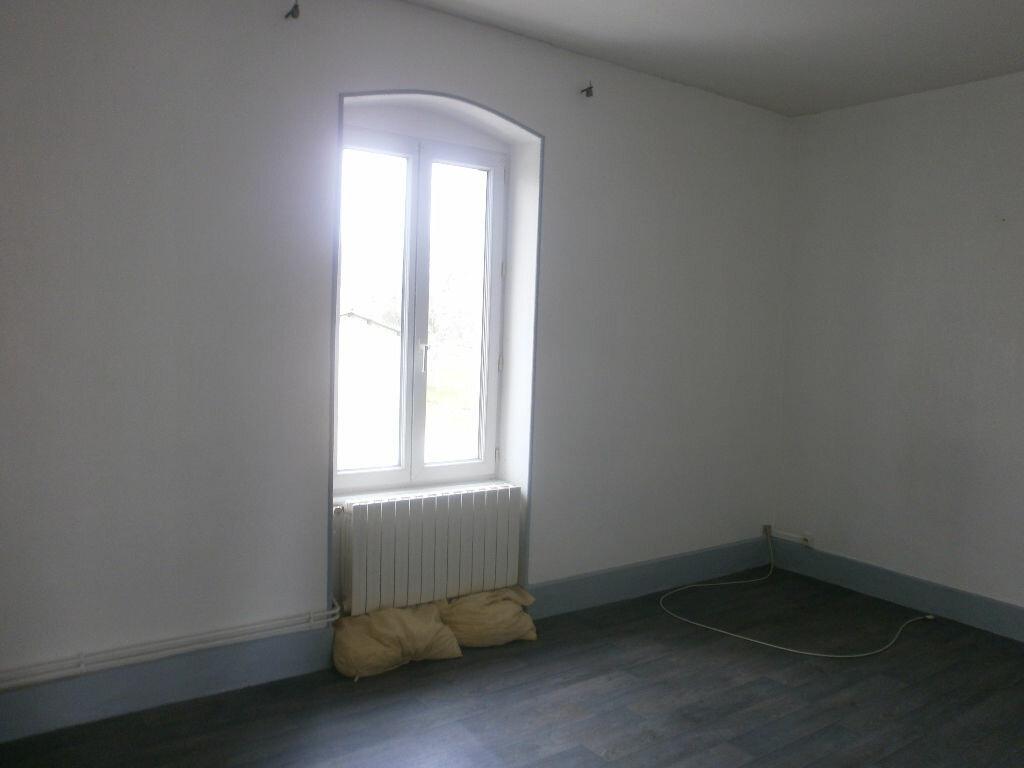 Achat Maison 11 pièces à Saint-Priest-des-Champs - vignette-6