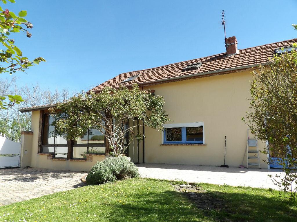 Achat Maison 5 pièces à Saint-Bonnet-de-Rochefort - vignette-1