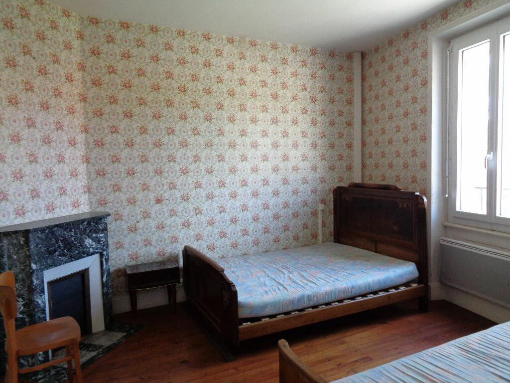 Achat Maison 5 pièces à Saint-Priest-des-Champs - vignette-8