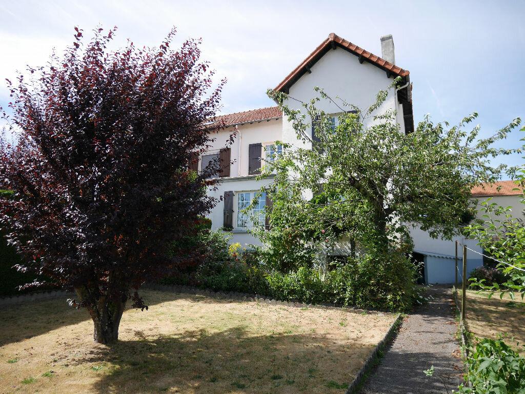 Achat Maison 5 pièces à Saint-Éloy-les-Mines - vignette-1