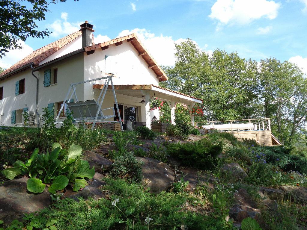 Achat Maison 7 pièces à Saint-Priest-des-Champs - vignette-1