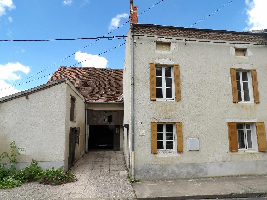 Achat Maison 3 pièces à Ébreuil - vignette-1