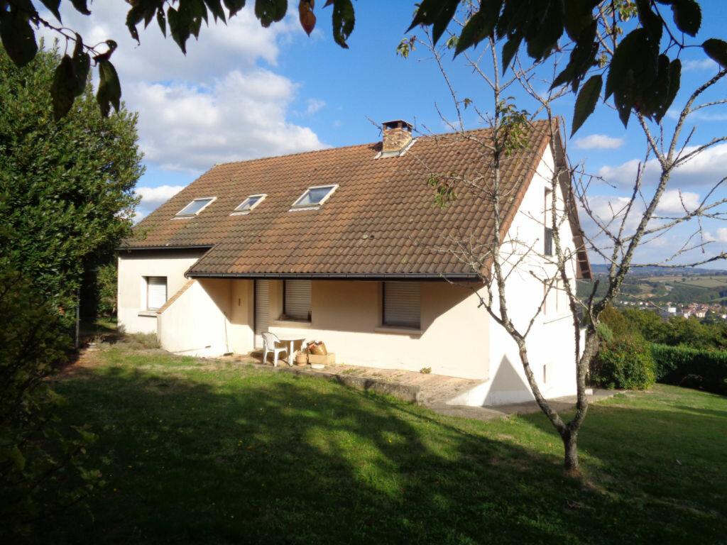 Achat Maison 7 pièces à Saint-Éloy-les-Mines - vignette-1